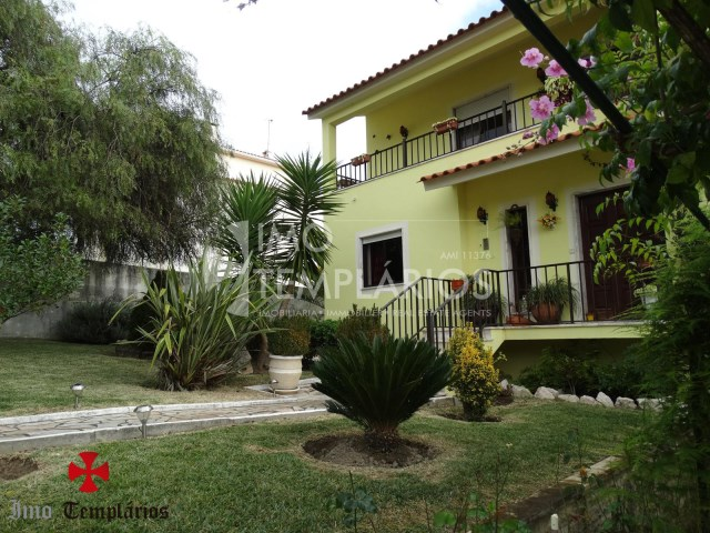 Beautiful 3 bedroom Villa w/garage