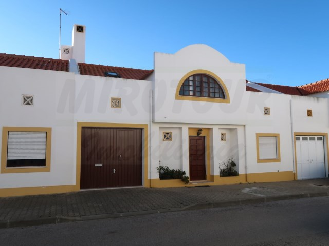 House 3 Bedrooms › Santiago do Cacém, S.Cruz e S.Bartolomeu da Serra