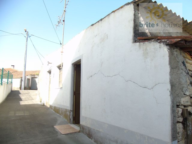 Single Level Home  › Além da Ribeira e Pedreira