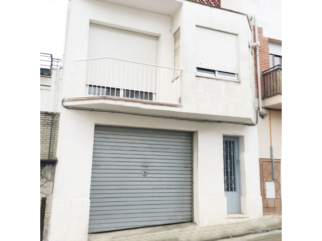 House in le Center of Canet of sea in the area of post Central of 178 m 2, enclosures in aluminium