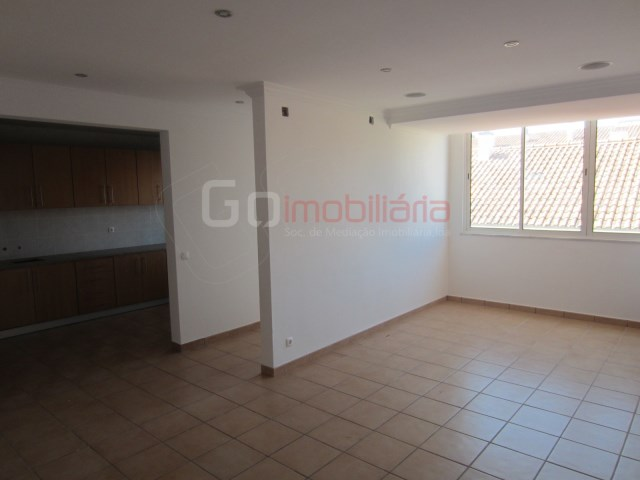 Apartment › Almeirim | 3 Bedrooms | 2WC