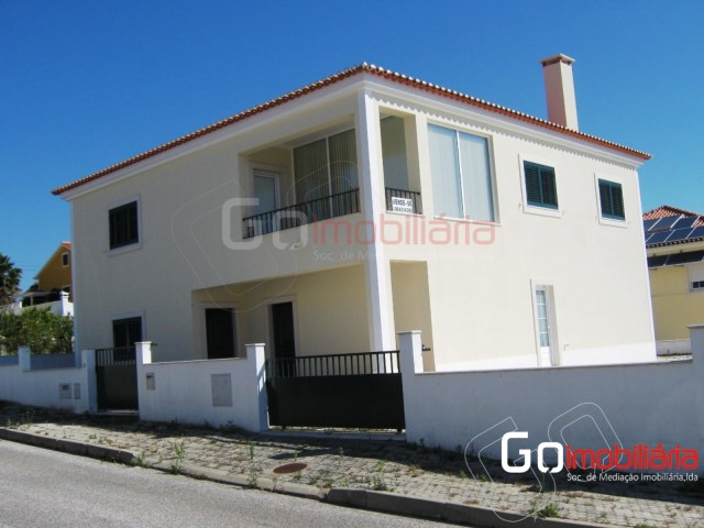 House › Santarém | 5 Bedrooms | 5WC
