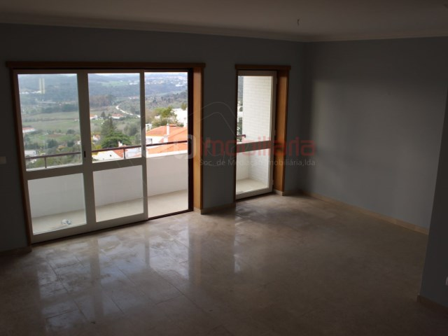 Apartment › Santarém | 4 Bedrooms | 2WC