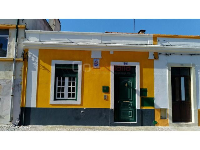 House › Santarém | 1 Bedroom | 2WC