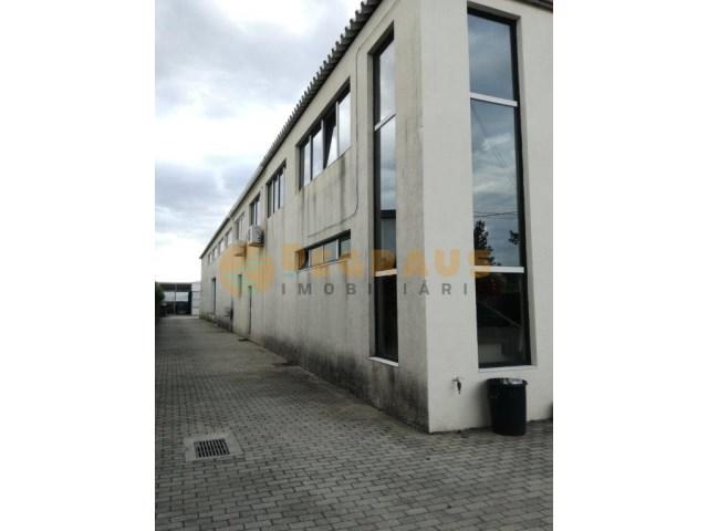 87793cc78c5 Warehouse - Vila Real - MAG 260 - Degraus para o Sol