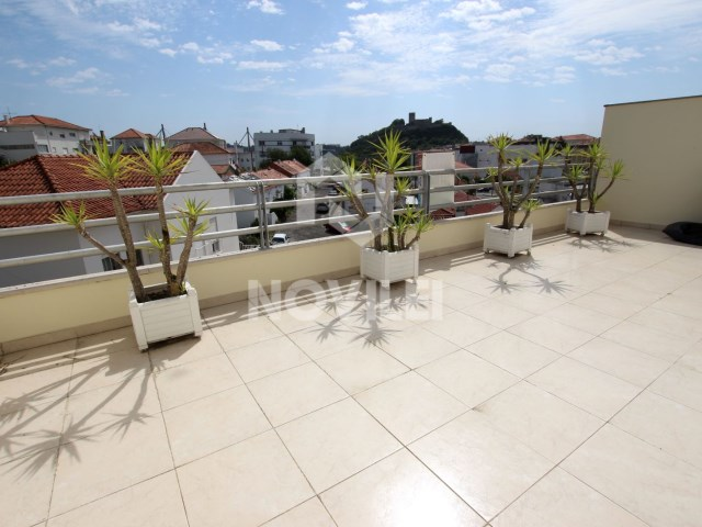 T3 Duplex apartment with 2 terraces, near the castle of Leiria