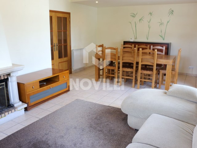 Apartment 3 bedrooms w/garage and attic in the Couple of Matos sold with all the stuffing