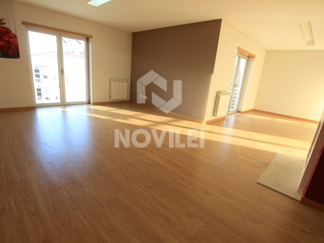 Apartment Duplex with pedestrian access to the central city of Leiria