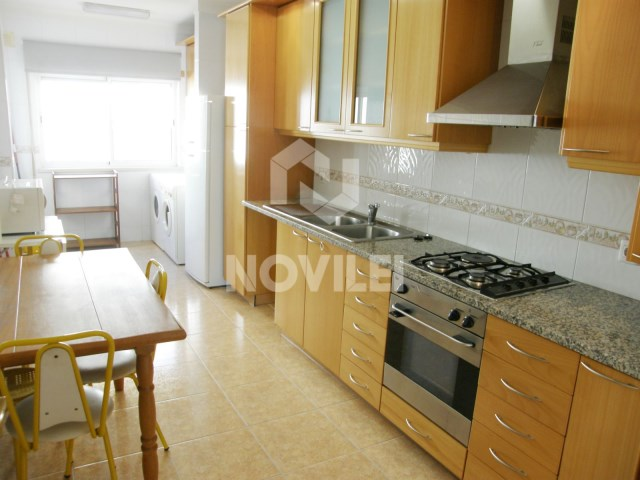 Apartment T1 Booked together to Leiria train station