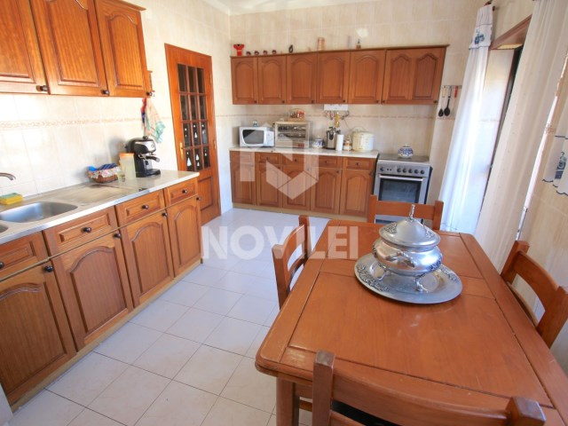 2 bedroom apartment w/large areas, garage and two storages, in good condition