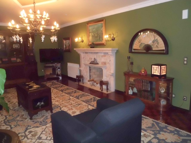 Fantastic 5 Bedroom Villa In The Center Of Cadaval