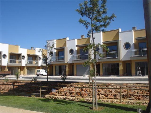 Buy townhouse with pool in Albufeira, Ferreiras