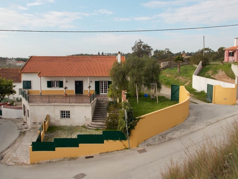 3 bedroom Villa +3 with Attic and Annex in Alcanede, for sale
