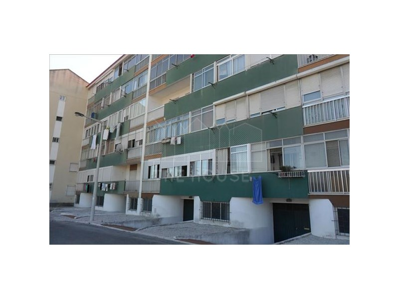 Warehouse  › Carcavelos e Parede
