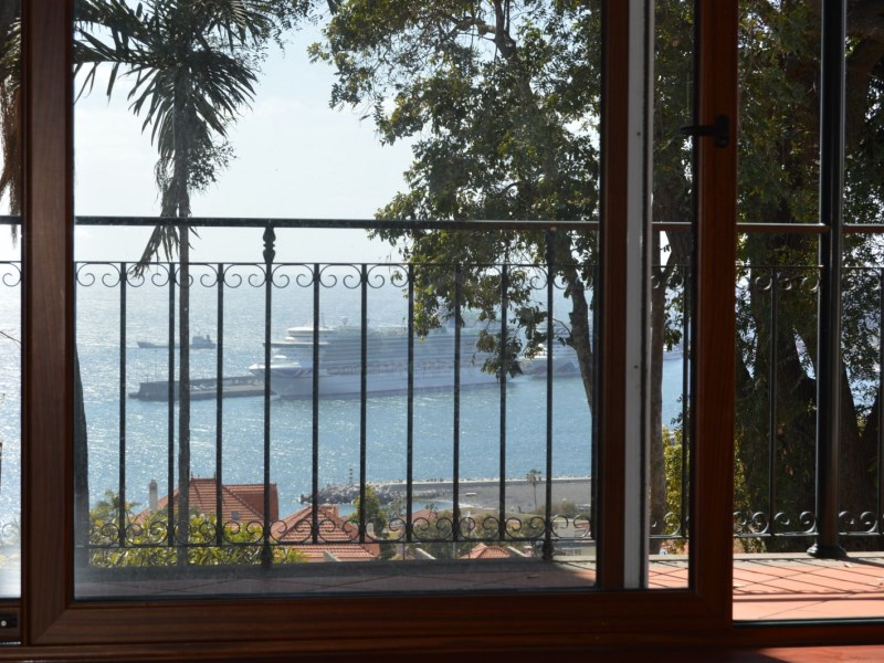New Luxury penthouse condos - apartments in the heart of Funchal with harbour views