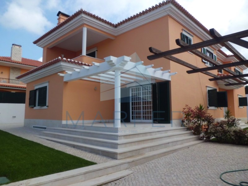 House 5 bedrooms in Birre