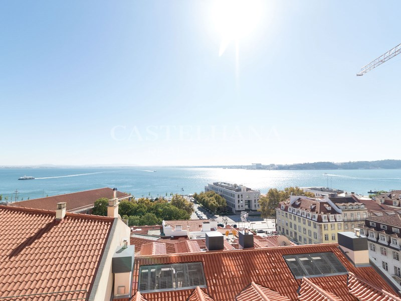 4-Bedroom Apartment Chiado