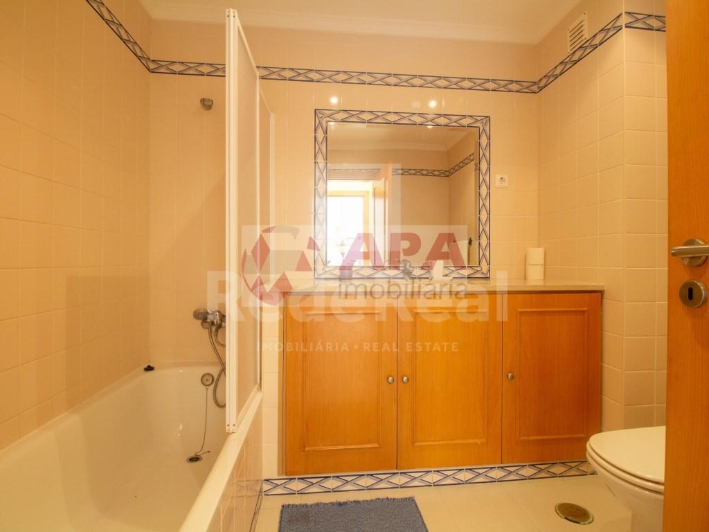 1 Bedroom + 1 Interior Bedroom Apartment in Albufeira e Olhos de Água (10)