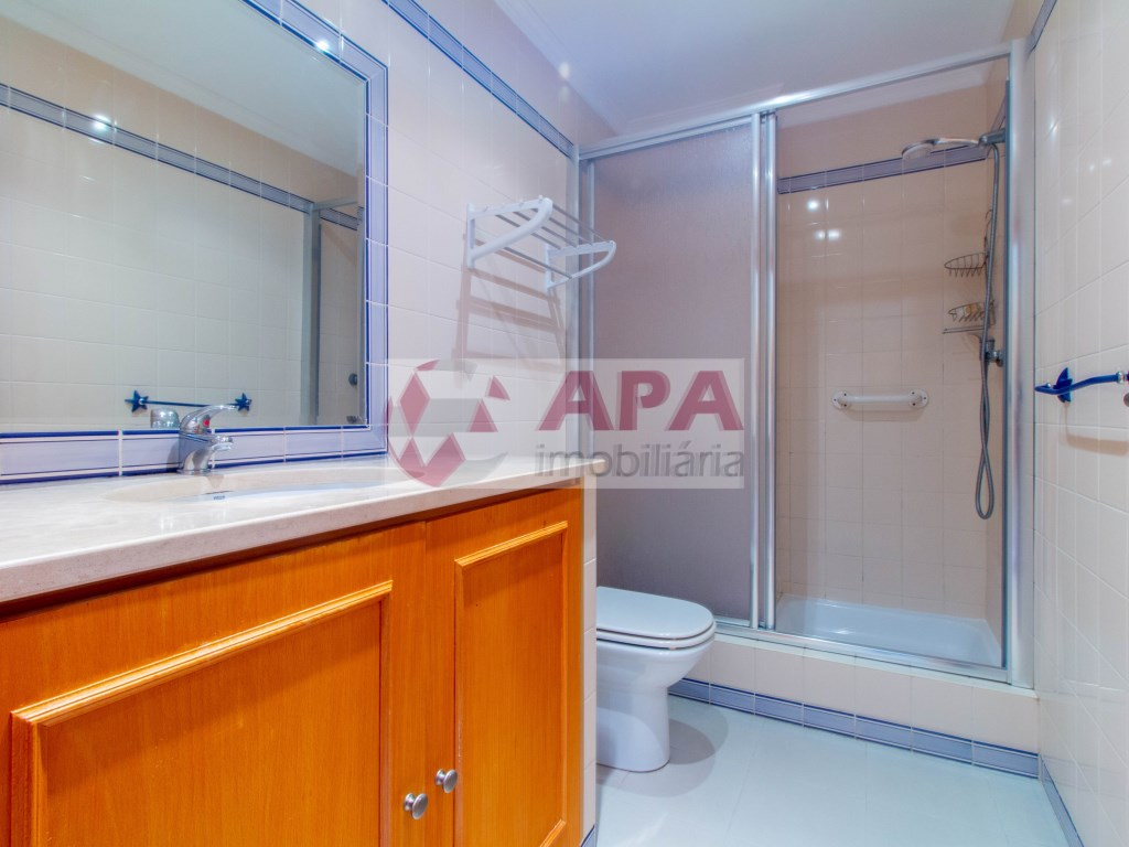 1 Bedroom + 1 Interior Bedroom Apartment in Albufeira e Olhos de Água (11)