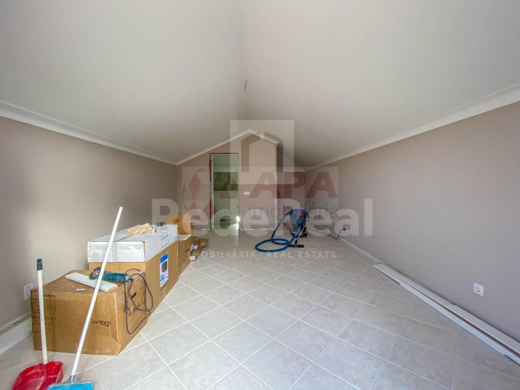 4 Pièces + 1 Chambre intérieur Maison in Santa Bárbara de Nexe (27)