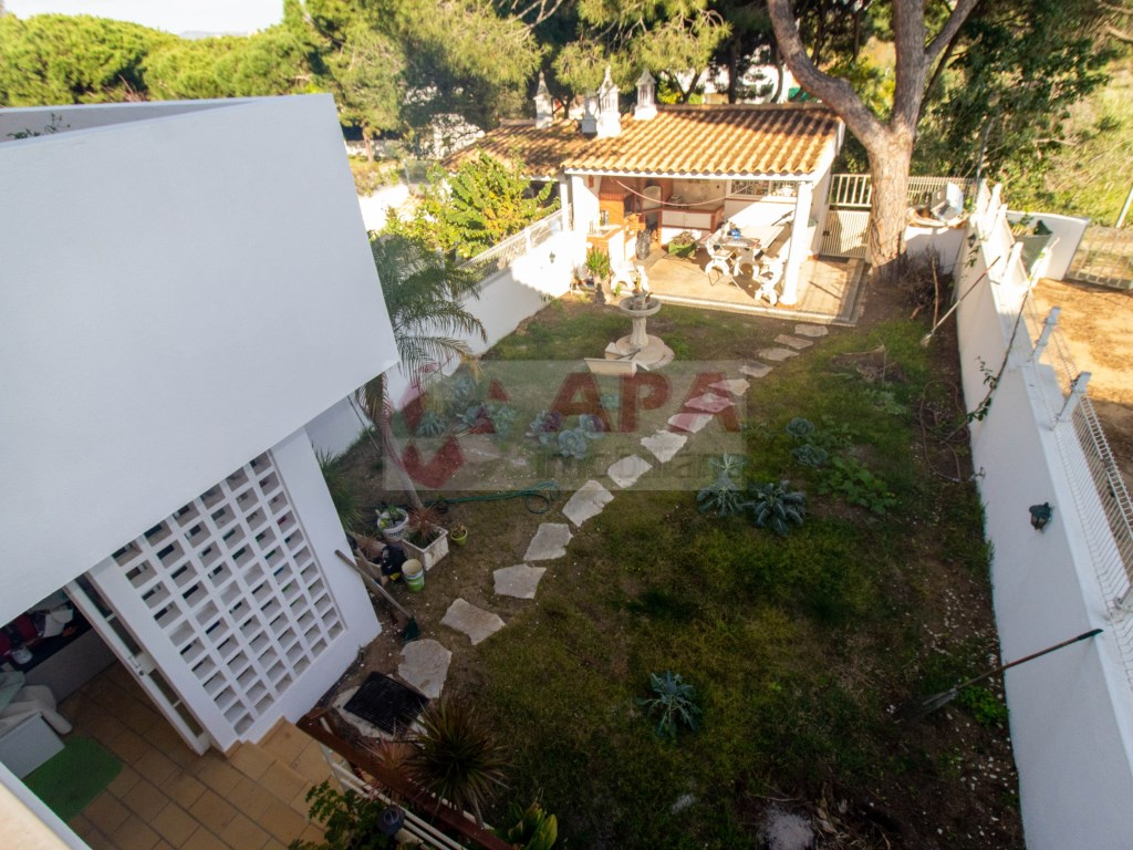 3 Bedrooms + 1 Interior Bedroom House in Faro (Sé e São Pedro) (34)