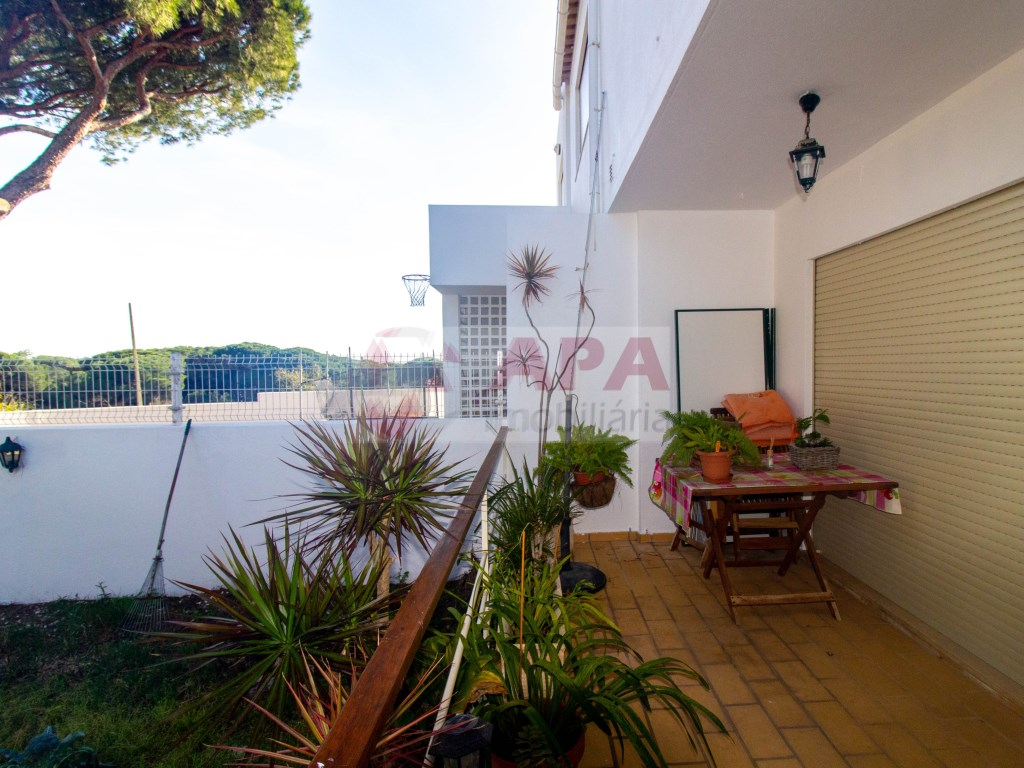 3 Bedrooms + 1 Interior Bedroom House in Faro (Sé e São Pedro) (36)