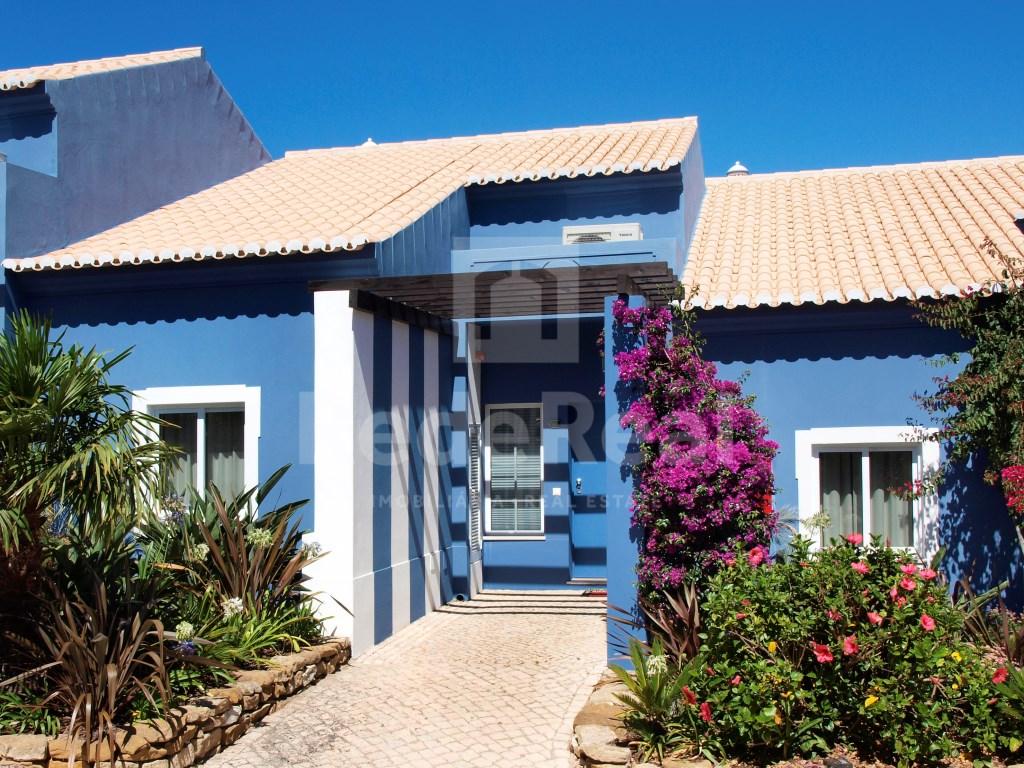 1 Bedroom + 1 Interior Bedroom House in Luz (2)