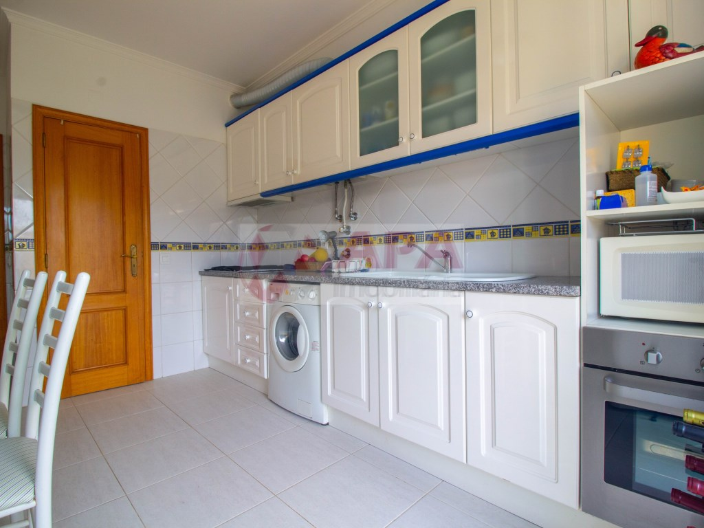 1 Bedroom + 1 Interior Bedroom Apartment in Faro (Sé e São Pedro) (5)