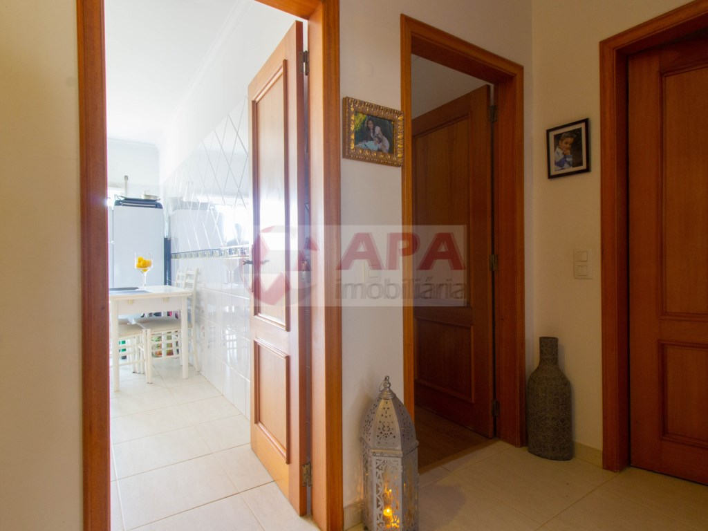 1 Bedroom + 1 Interior Bedroom Apartment in Faro (Sé e São Pedro) (11)