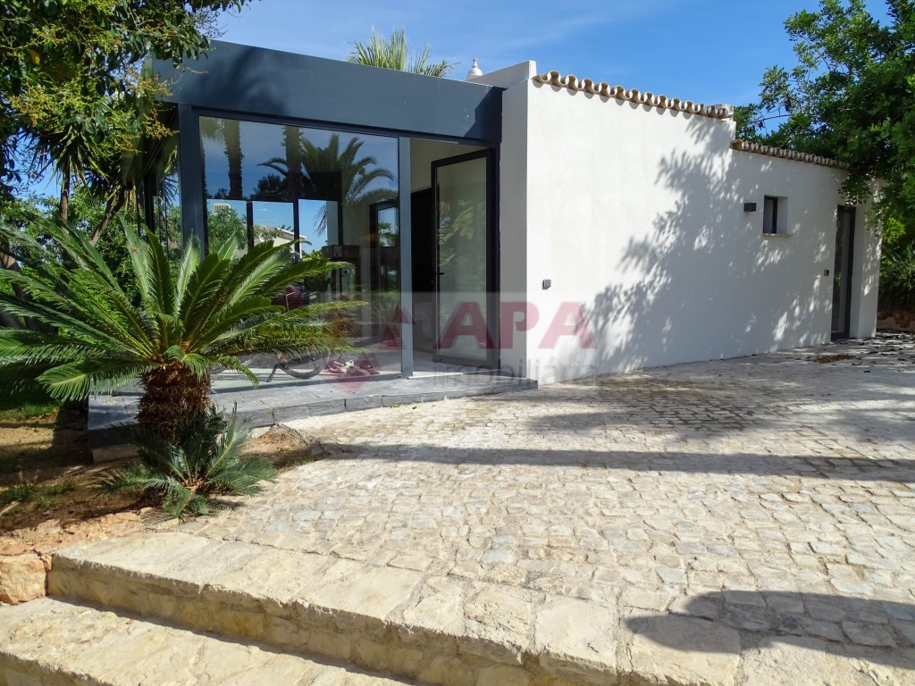 3 Bedrooms + 2 Interior Bedrooms House in Santa Bárbara de Nexe (36)