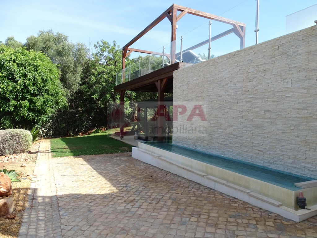 3 Bedrooms + 2 Interior Bedrooms House in Santa Bárbara de Nexe (76)