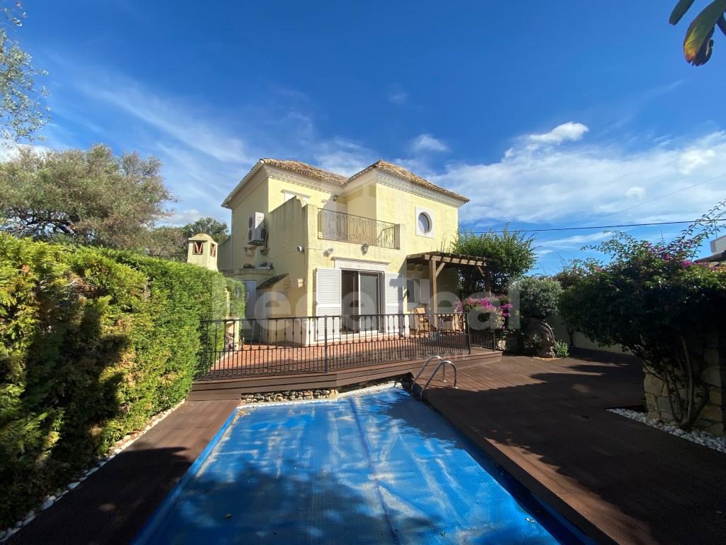 4 Pièces Villa in Almancil (1)
