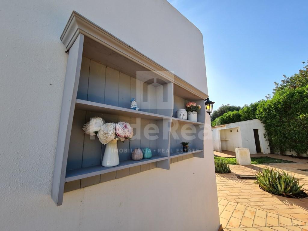 6 Pièces + 2 Chambres intérieures Maison in Santa Bárbara de Nexe, Santa Bárbara de Nexe (45)