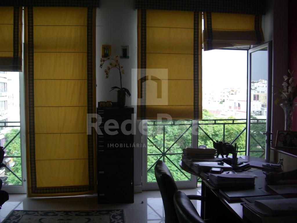 Bureau in Faro (Sé e São Pedro) (4)
