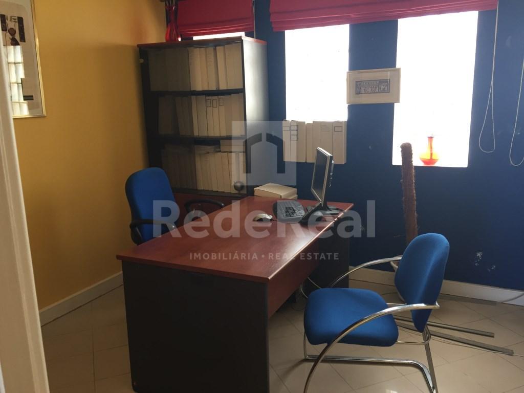 Bureau in Faro (Sé e São Pedro) (8)