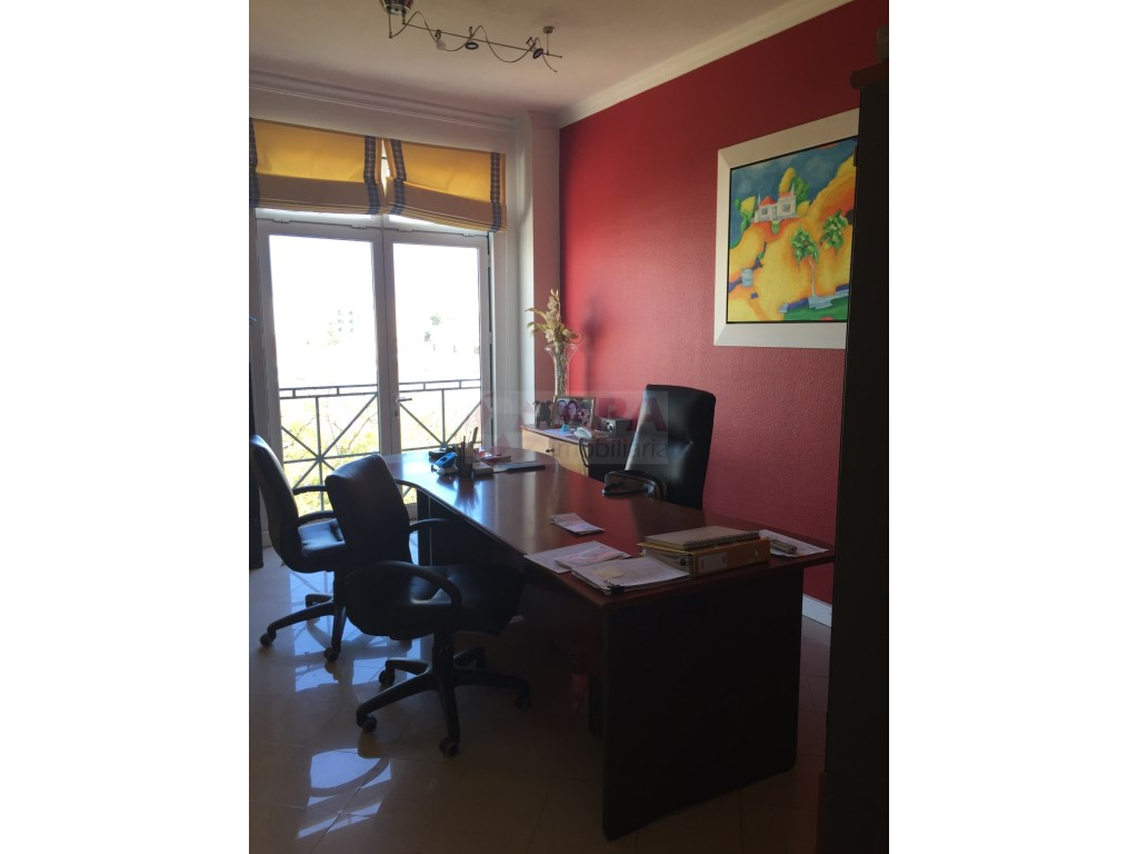 Bureau in Faro (Sé e São Pedro) (2)