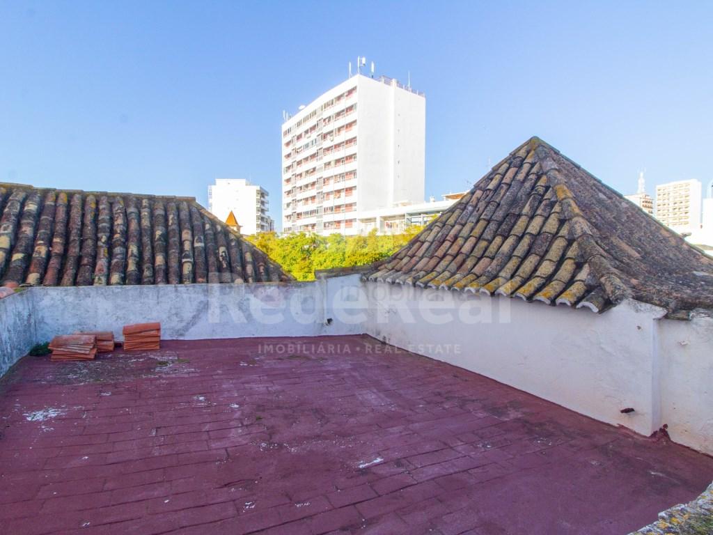 Building in Faro (Sé e São Pedro) (4)