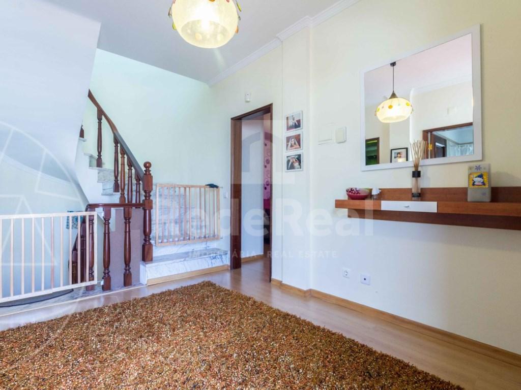 4 Bedrooms Terraced House  in Quinta João de Ourém (13)