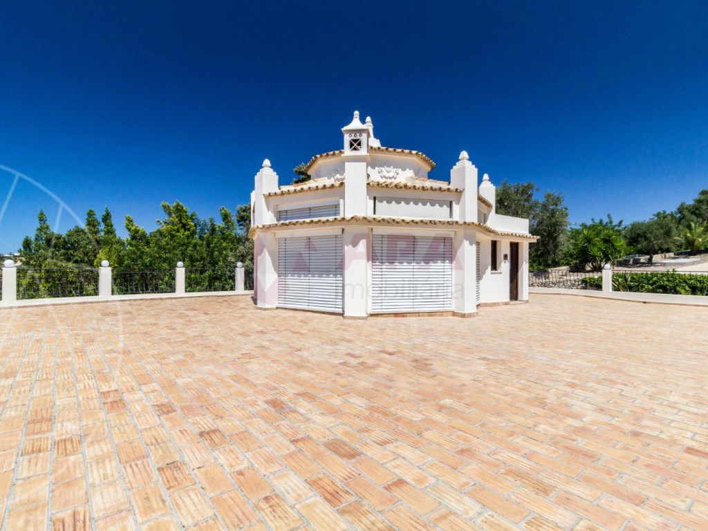 Incredible 5 bedroom vila sea view swimming pool Faro  (23)