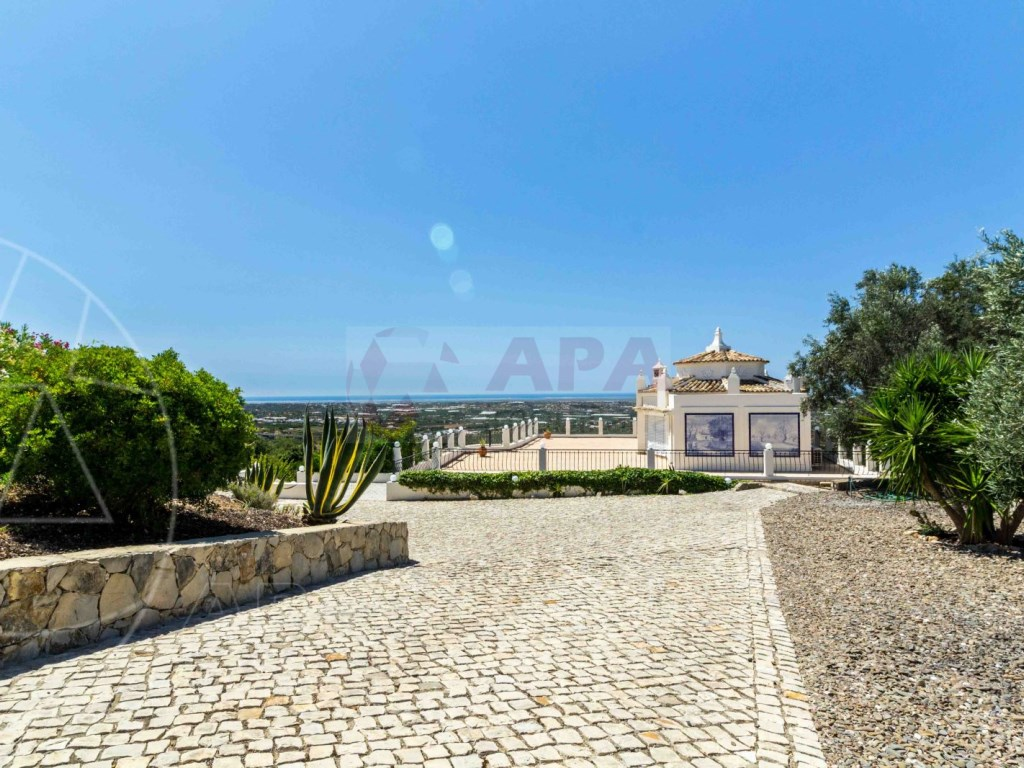 Incredible 5 bedroom vila sea view swimming pool Faro  (24)
