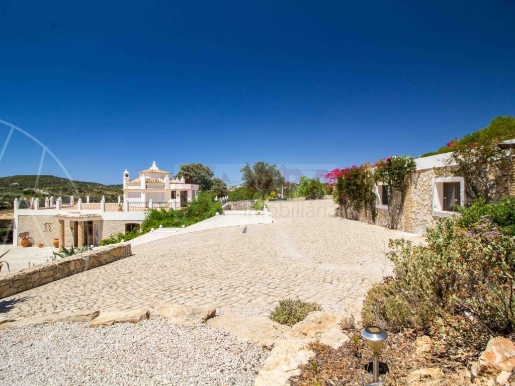 Incredible 5 bedroom vila sea view swimming pool Faro  (26)