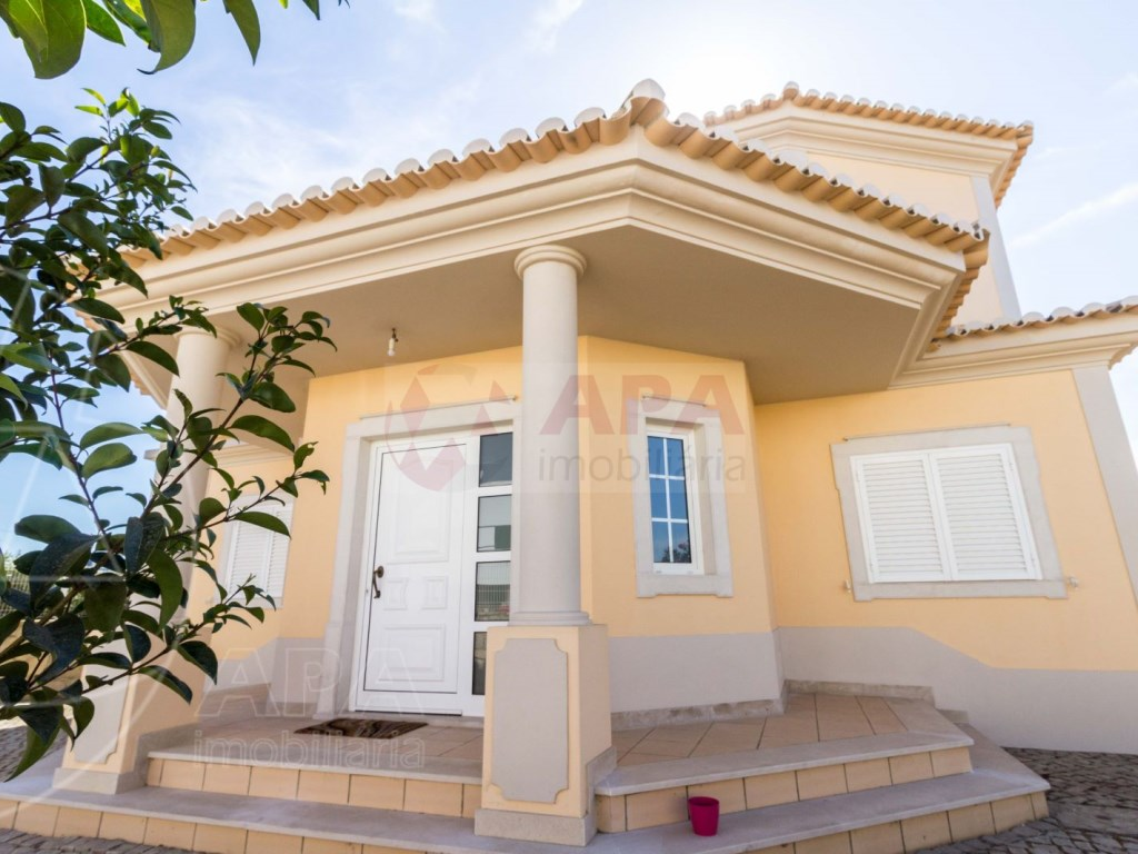 4 Bedrooms House in Quelfes (4)