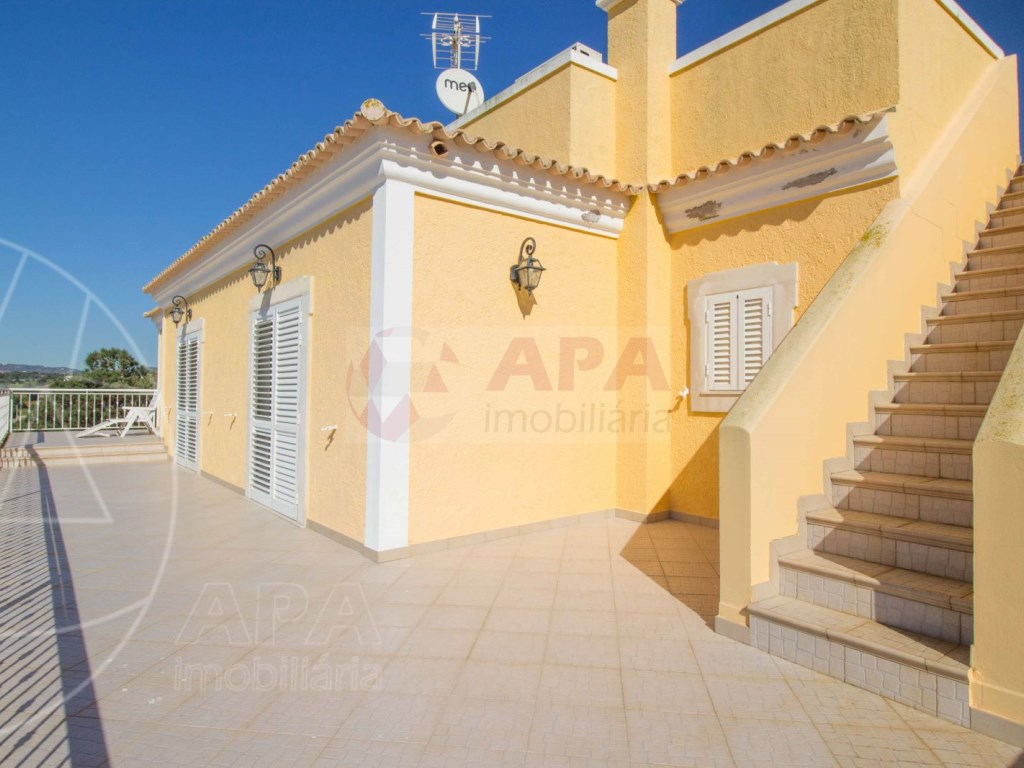 4 bedrooms villa  in Conceição  (30)