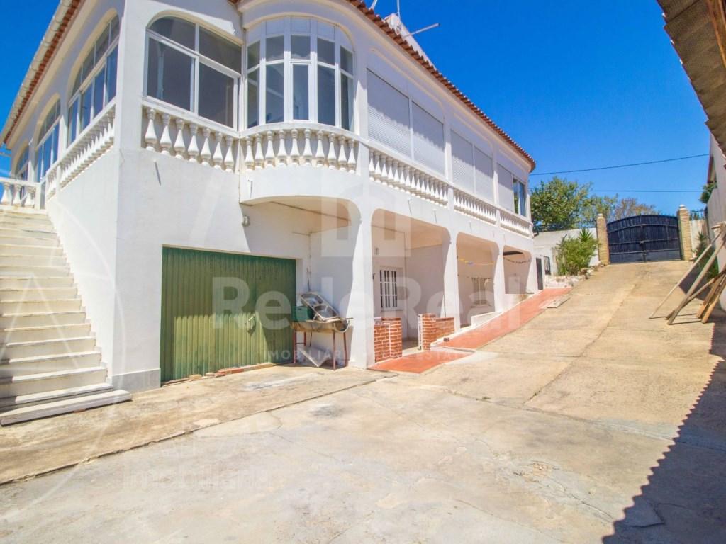 House in Santa Barbara de Nexe (1)