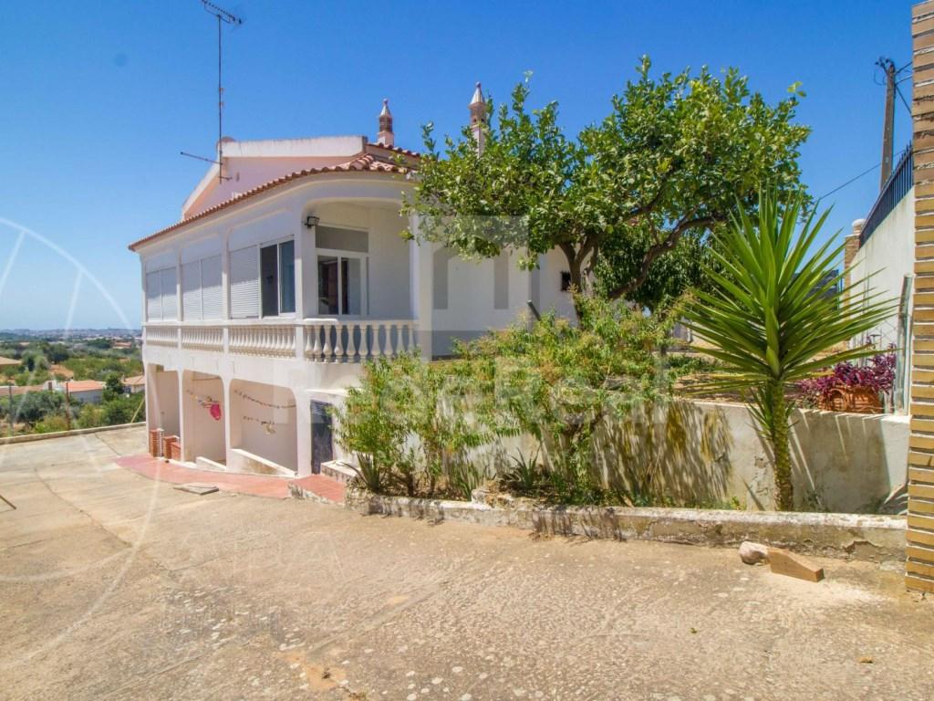 House in Santa Barbara de Nexe (26)