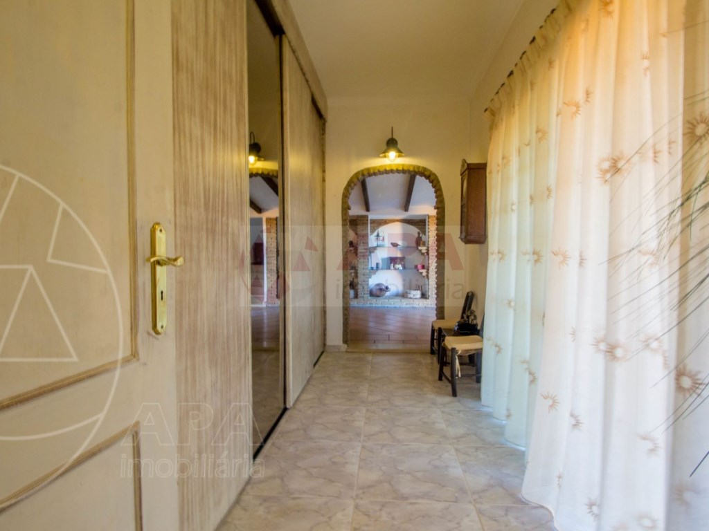 3 Bedrooms House in São Brás de Alportel (19)