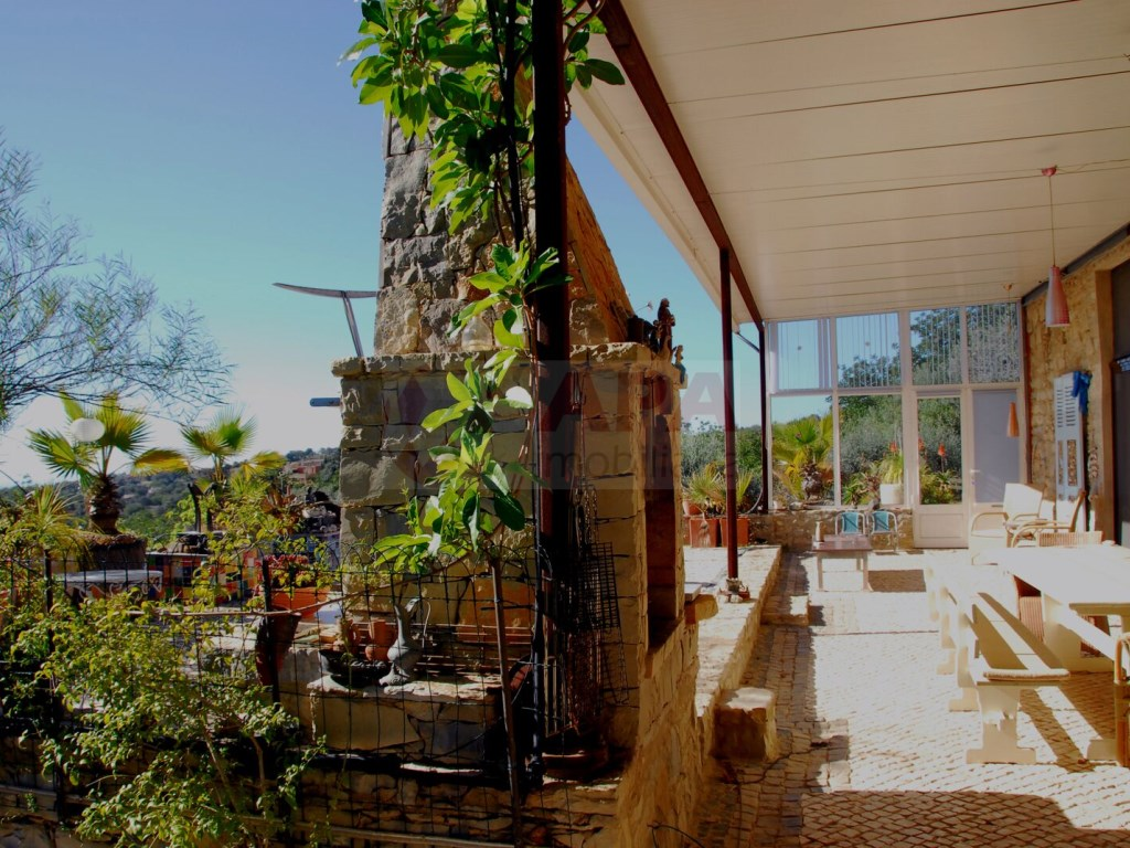 3+2 bedroom villa with swimming pool in Loulé (44)