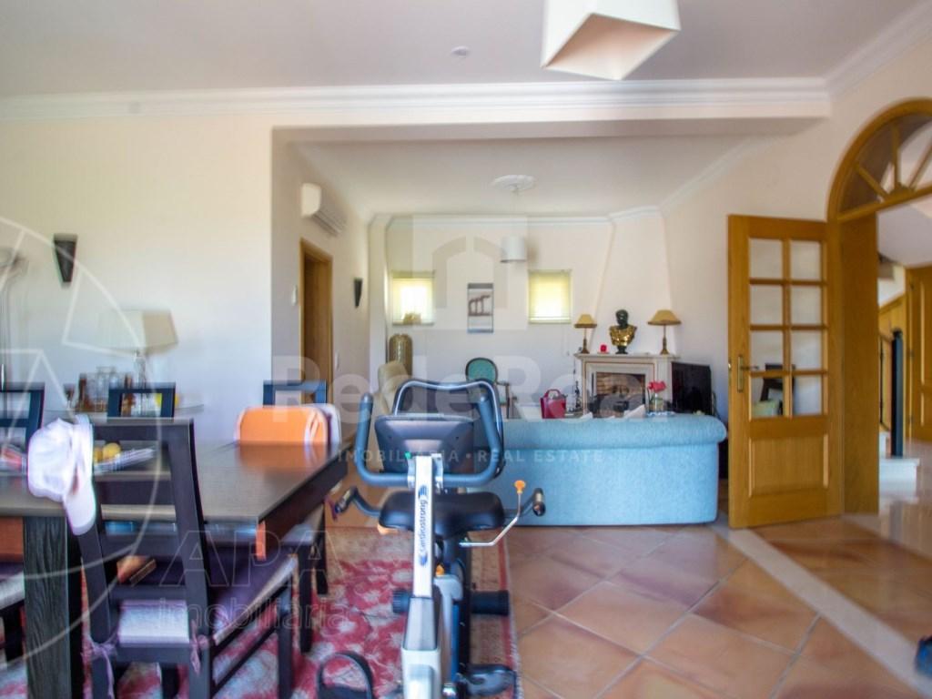 4 bedroom villa with pool in Santa Bárbara de Nexe (10)