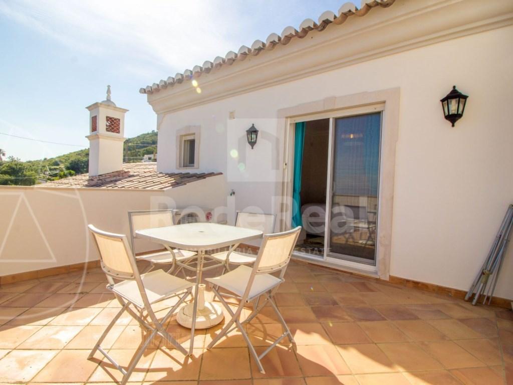 4 bedroom villa with pool in Santa Bárbara de Nexe (6)