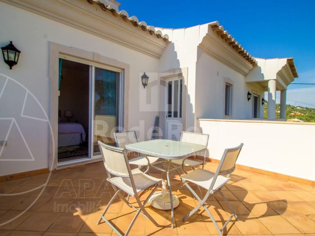 4 bedroom villa with pool in Santa Bárbara de Nexe (3)